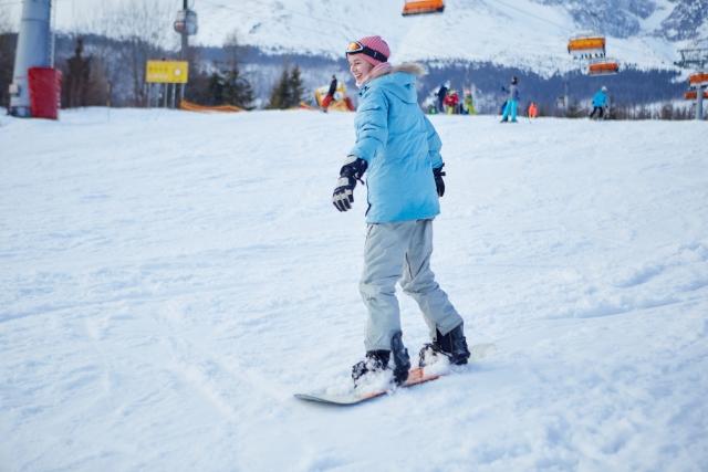 スノーボードのターンまであと少し!ターン後半につながる直滑降からの停止をマスターしよう