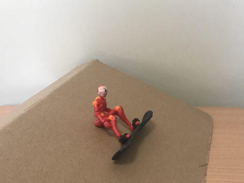 1.雪面に座る