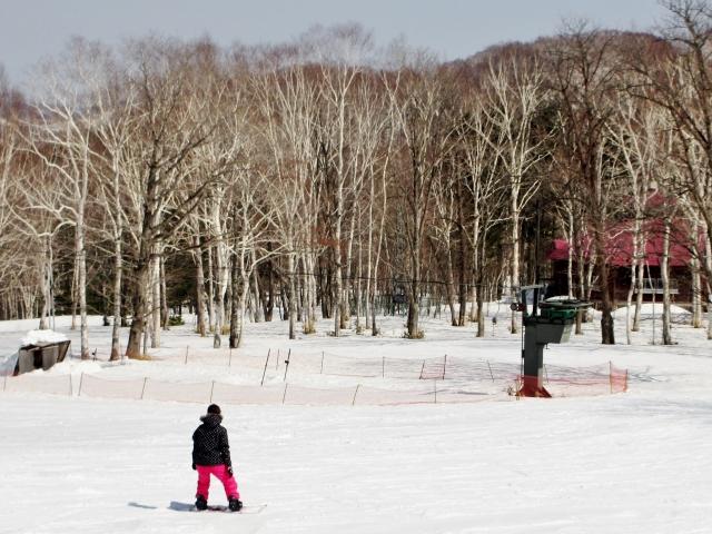 スノーボード初心者の初めての自由滑走!木の葉落としの簡単なやり方とコツを解説