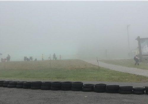 濃霧状態の丸沼