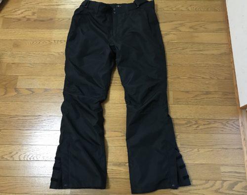 パンツのブーツカット形状