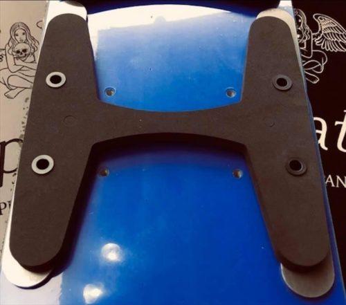 T-PLATEのアルペン用センタープレート